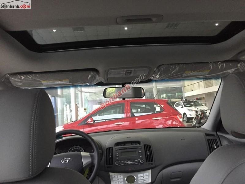 Xe Hyundai Avante 2.0AT 2015