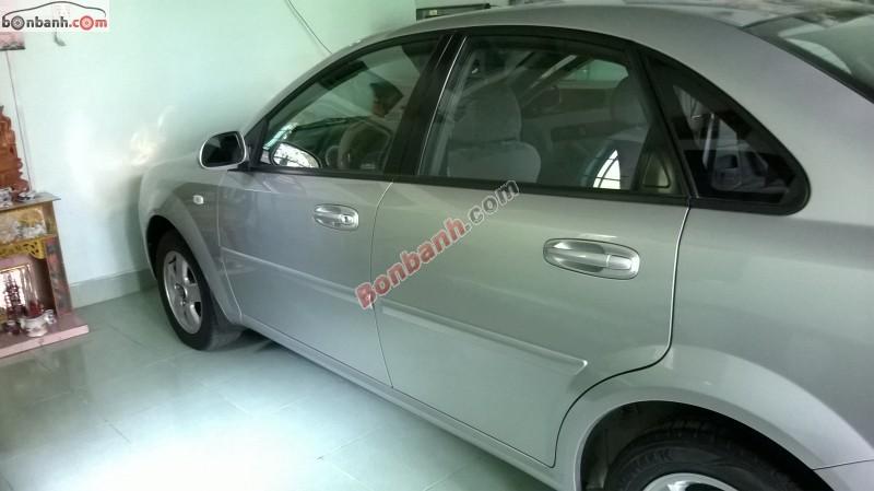 Cần bán gấp Daewoo Lacetti EX đời 2009, màu bạc, mới 90%