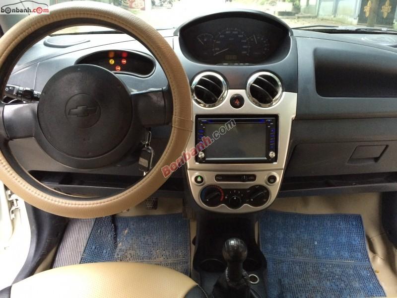 Xe Chevrolet Spark đời 2009, màu trắng, xe đẹp
