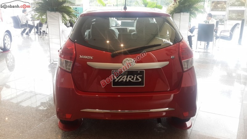 Xe Toyota Yaris 1.3E 2015