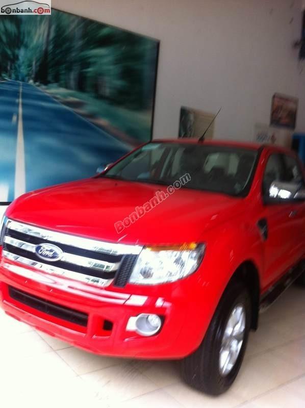 Cần bán Ford Ranger 2.2 XLT 2 cầu MT đời 2015, màu đỏ, nhập khẩu Thái