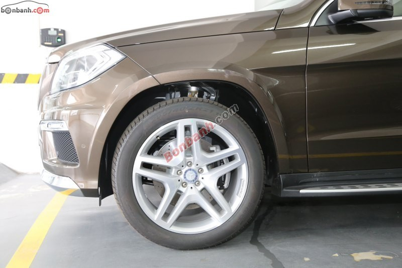 Xe Mercedes-Benz GL 500 AMG 4Matic 2015