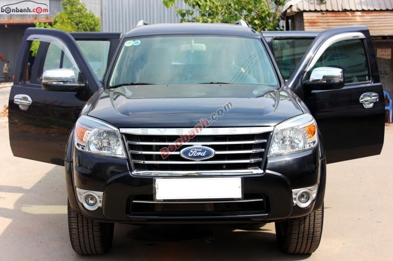 Cần bán gấp Ford Everest 4x2 MT đời 2011, màu đen