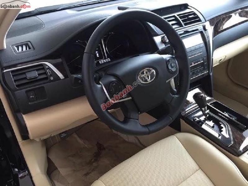 Bán ô tô Toyota Camry 2.0E đời 2015, màu đen, xe đẹp