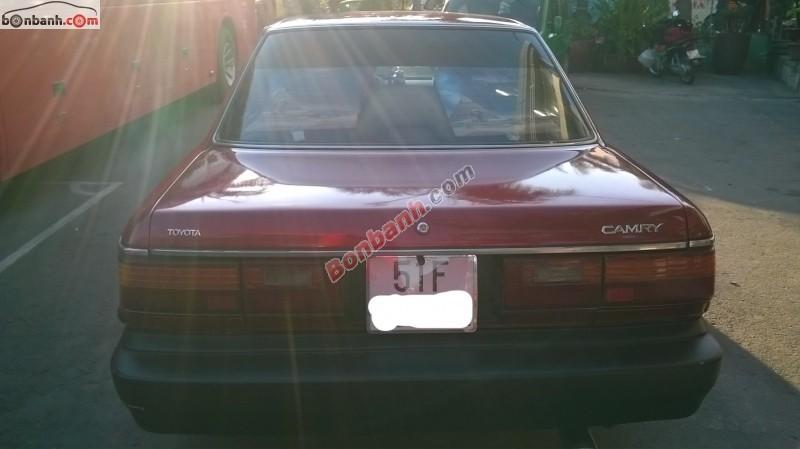 Cần bán xe Toyota Camry đời 1990, màu đỏ, xe nhập, chính chủ