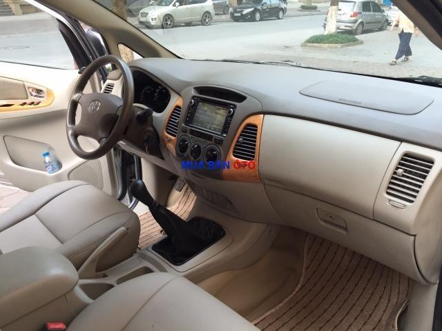 Xe Toyota Innova  2009