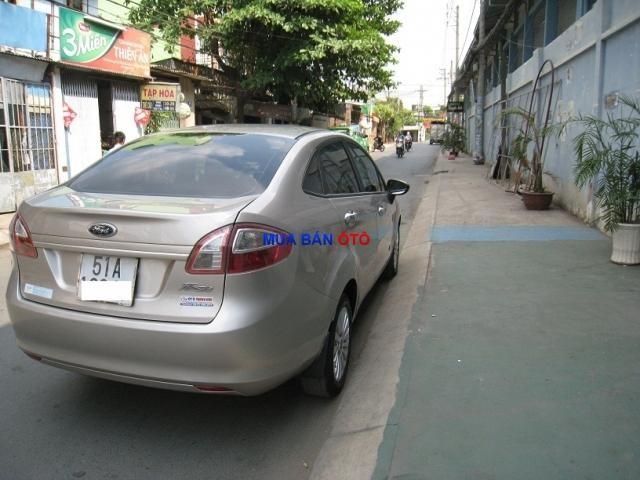 Xe Ford Fiesta  2012