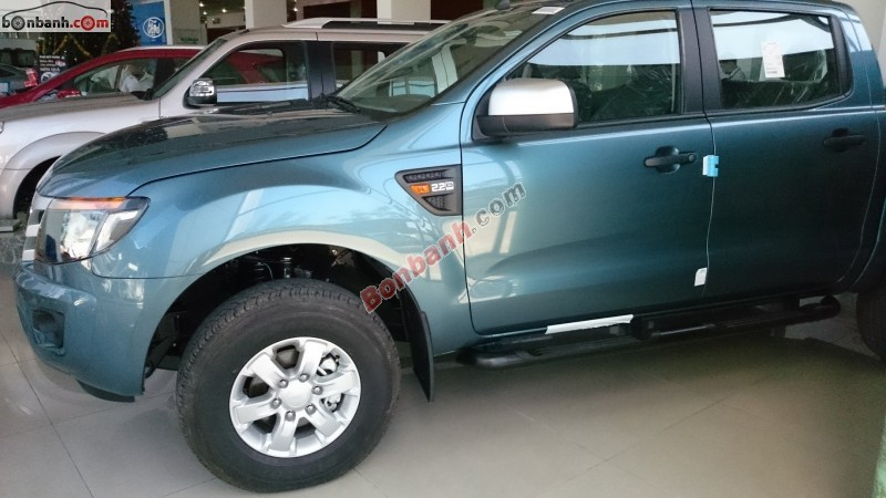 Xe Ford Ranger XLS 4x2AT 2015