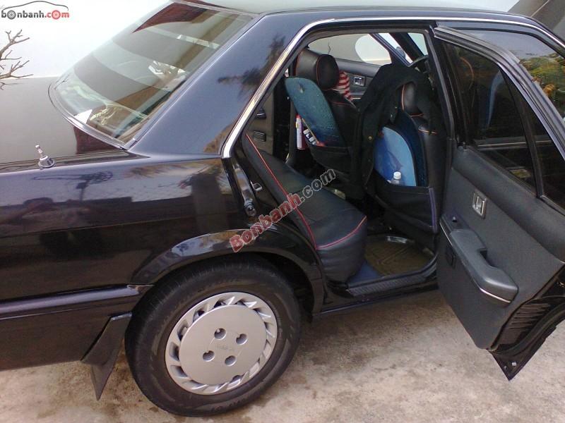 Xe Nissan Bluebird Saloon 1991