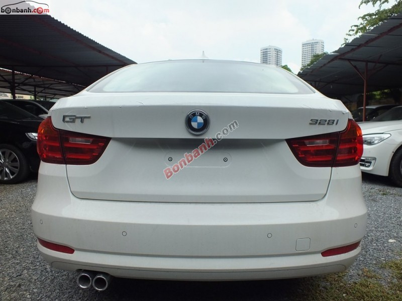 Xe BMW 3 Series 328i GT 2015