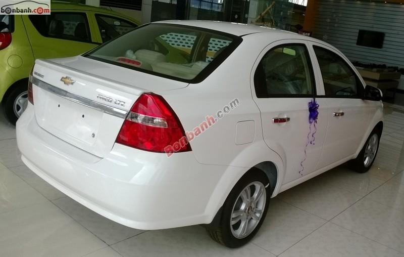 Xe Chevrolet Aveo LS 2015