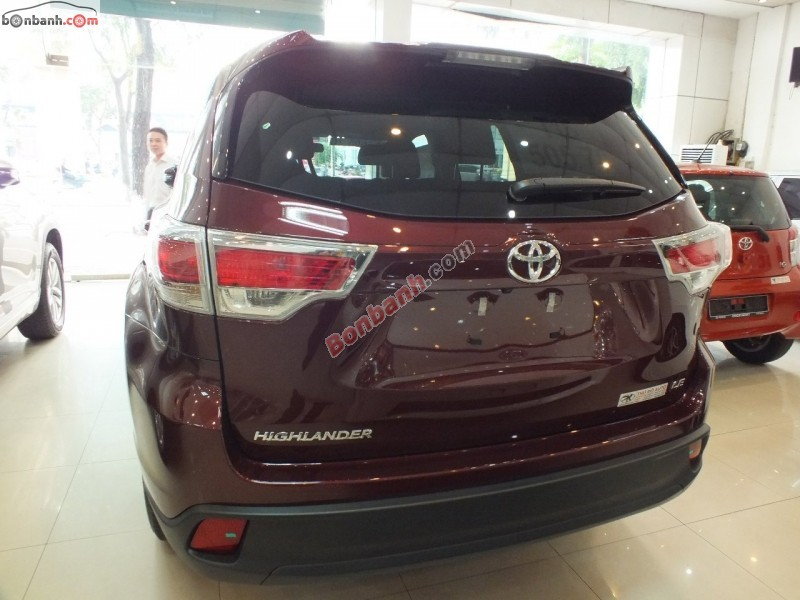 Xe Toyota Highlander LE 2015