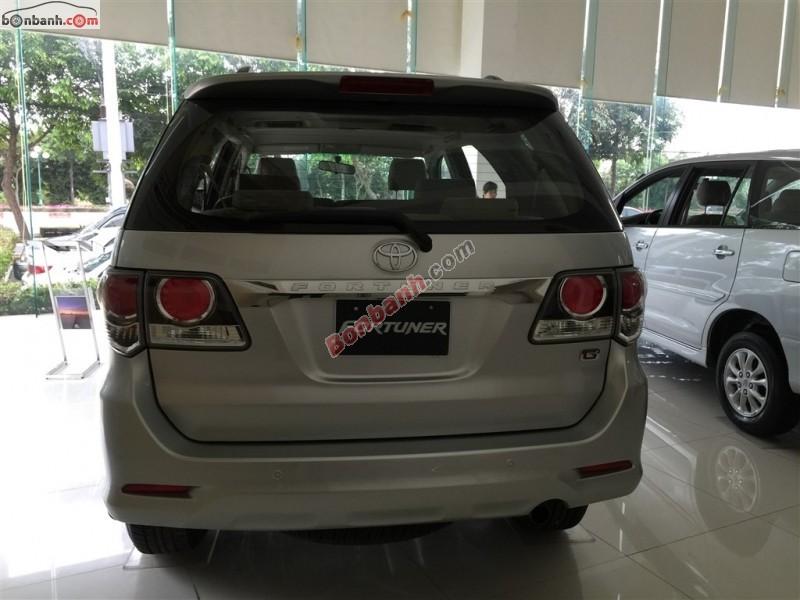 Xe Toyota Fortuner 2.5G 2015