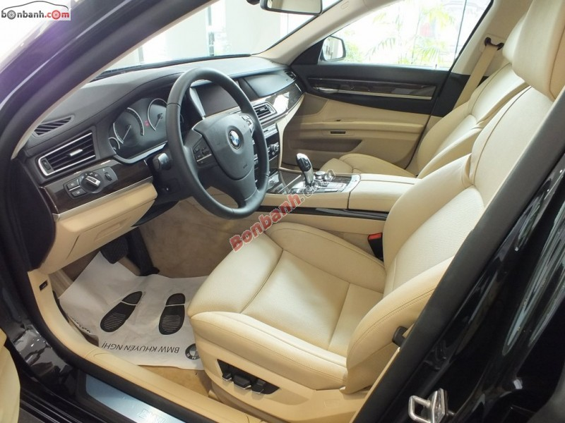 Xe BMW 7 Series 750Li 2015