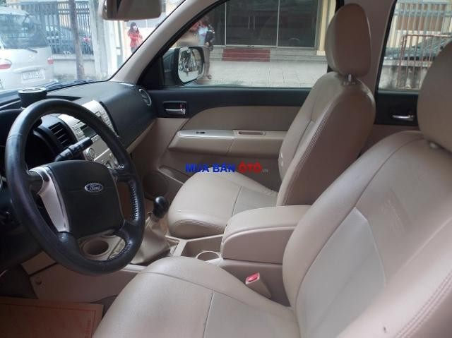 Xe Ford Everest 2.5L 2007