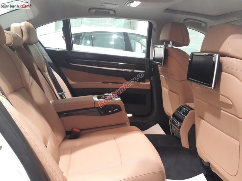 Xe BMW 7 Series 750Li LCI 2015