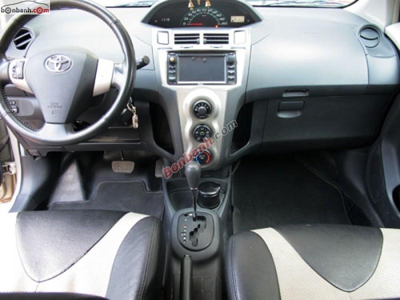 Xe Toyota Yaris 1.3 2011