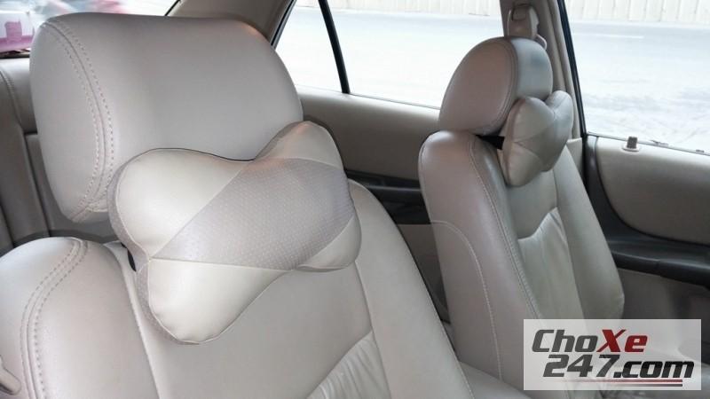 Xe Ford Laser Ghia 2004