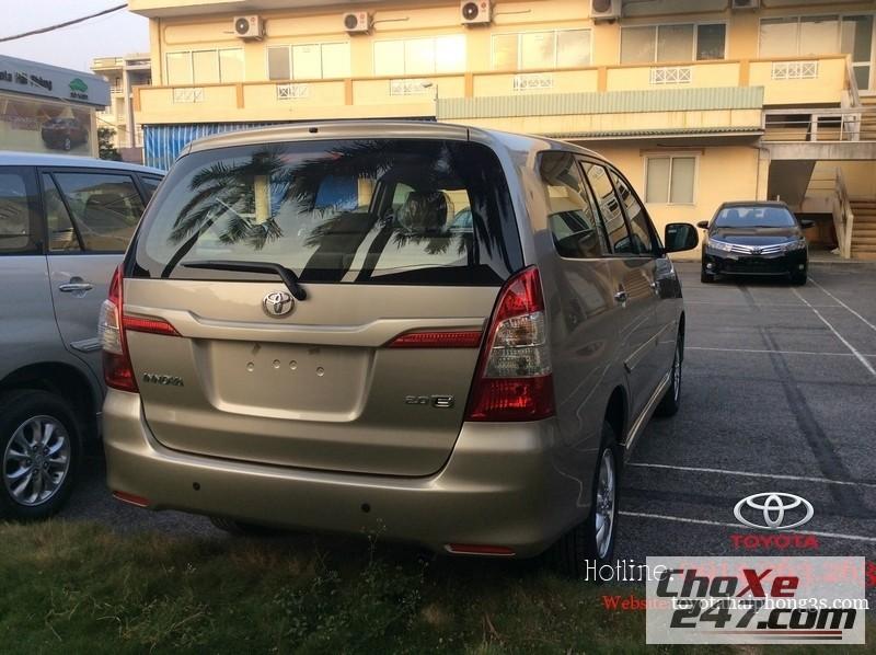 Xe Toyota Innova  2014