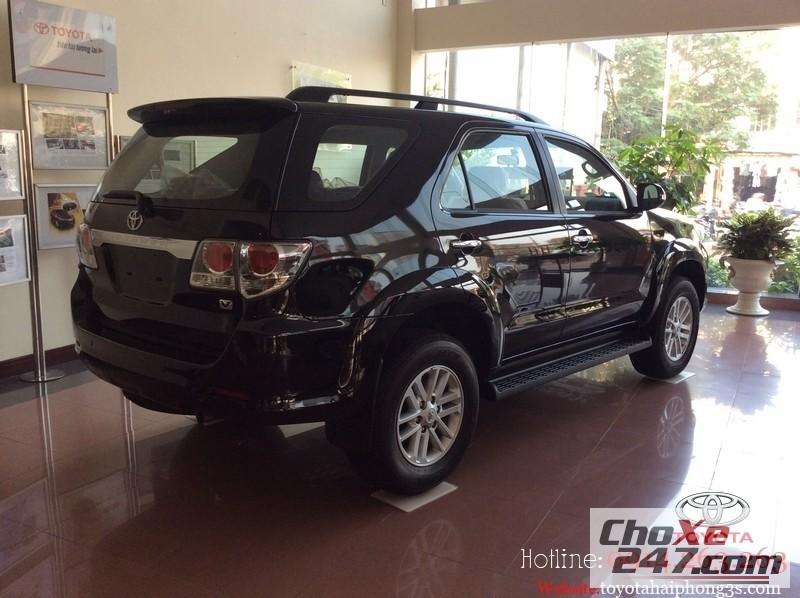 Xe Toyota Fortuner sang trọng, lịch lãm đầy phong cách với ba kiểu dáng 2014