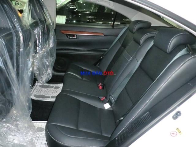 Xe Lexus ES 300h 2013