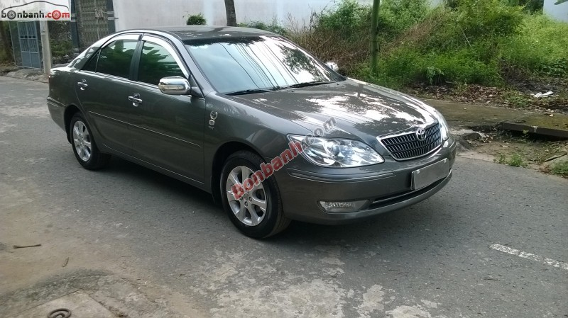 Xe Toyota Camry  2005
