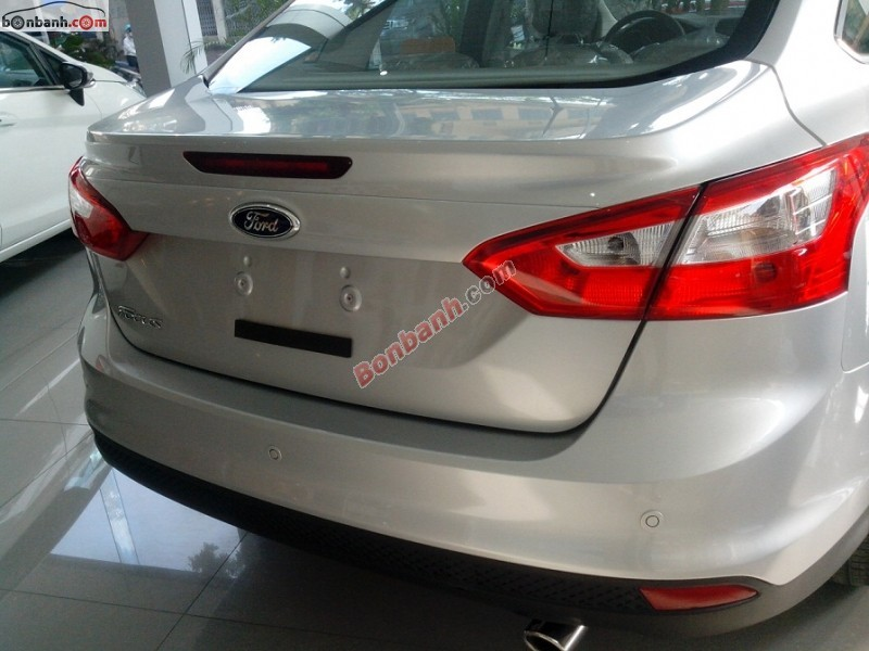 Xe Ford Focus  2014