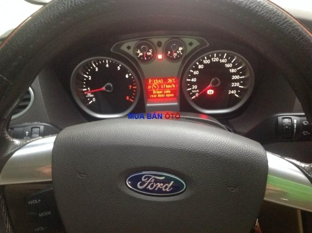 Xe Ford Focus 2.0 L 2011