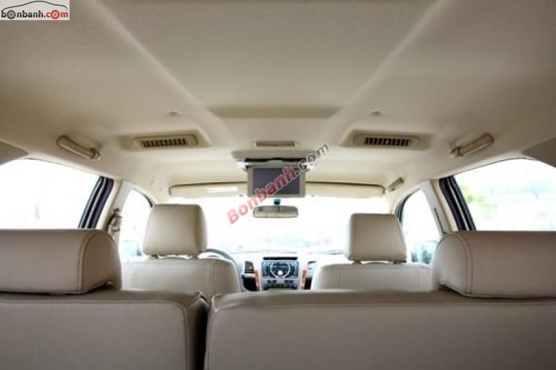 Xe Toyota Fortuner TRD spotivo 2011