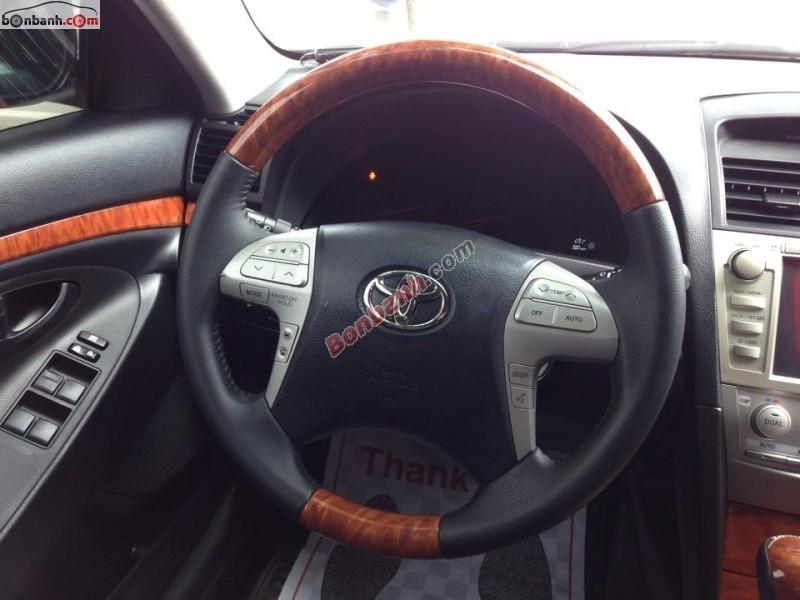 Xe Toyota Camry 2.0E 2010