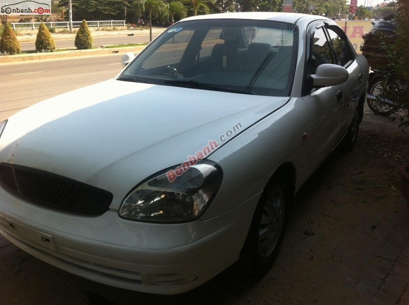Xe Daewoo Nubira  2002