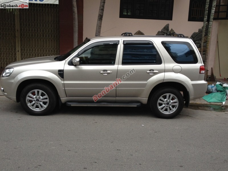 Xe Ford Escape  2010