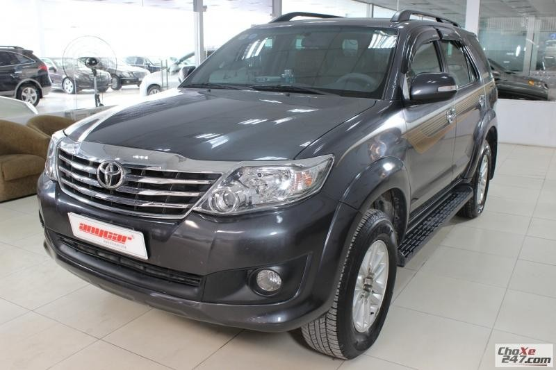 Xe Toyota Fortuner V 2.7AT 2WD 2012