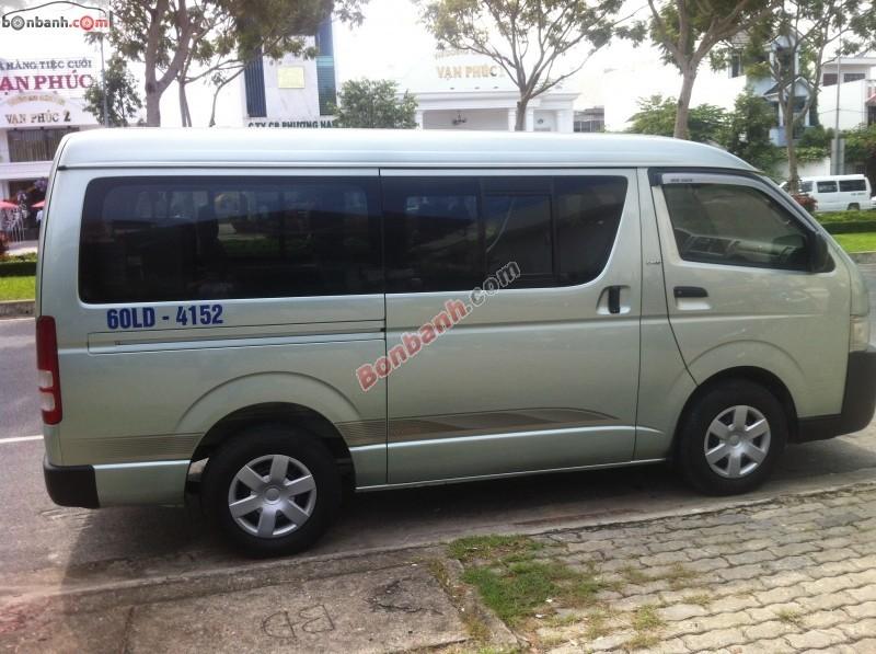 Xe Toyota Hiace  2009