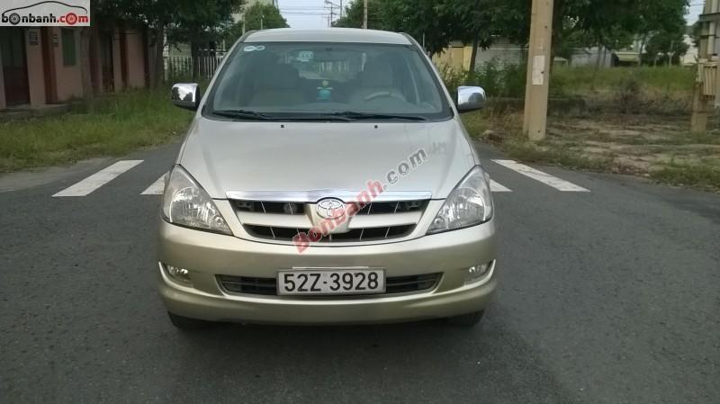 Xe Toyota Innova  2006