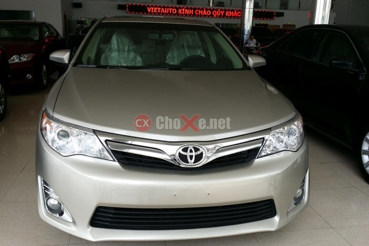 Xe Toyota Camry  2014