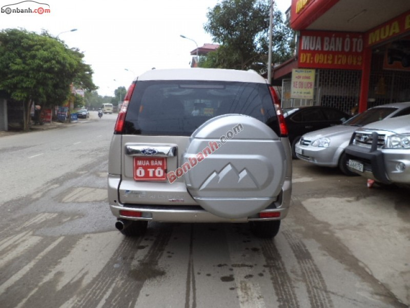 Xe Ford Everest  2009