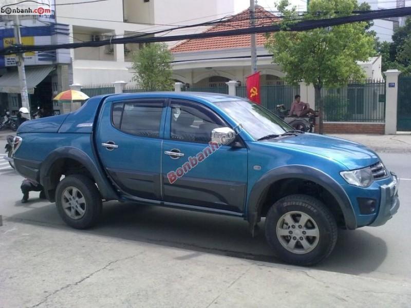Xe Mitsubishi Triton  2010