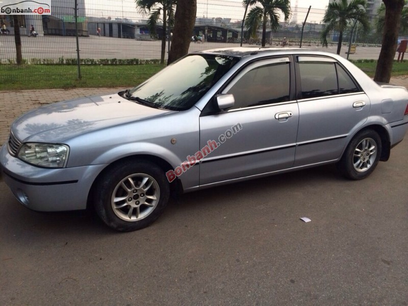 Xe Ford Laser  2005