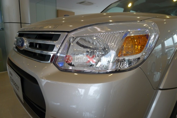 Xe Ford Everest 4x2 AT 2014
