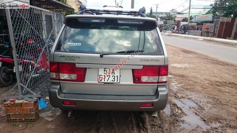 Xe Ssangyong Musso  2002