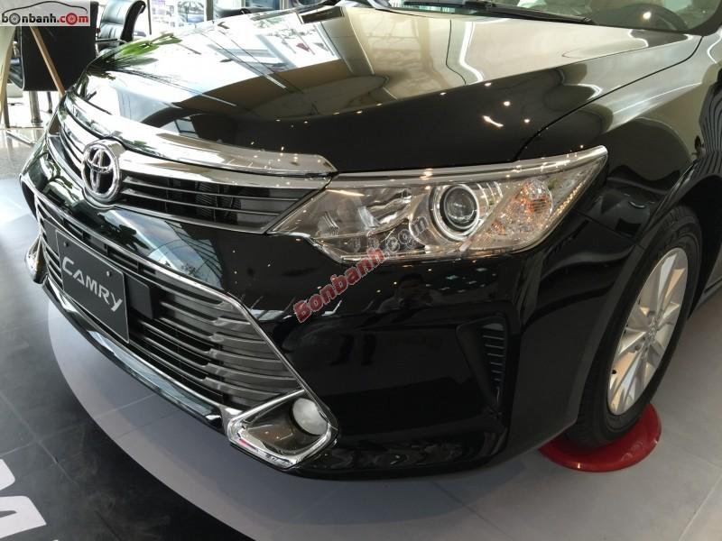 Bán Toyota Camry 2.0E đời 2016, màu đen