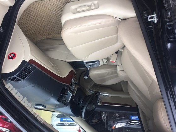 Cần bán lại xe Hyundai Santa Fe năm 2008, màu đen, nhập khẩu nguyên chiếc, số tự động