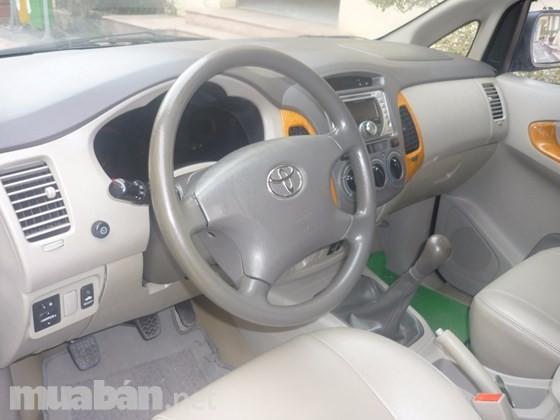 Bán xe Ô tô Toyota Innova G màu ghi bạc nguyên bản chính chủ đời 2009