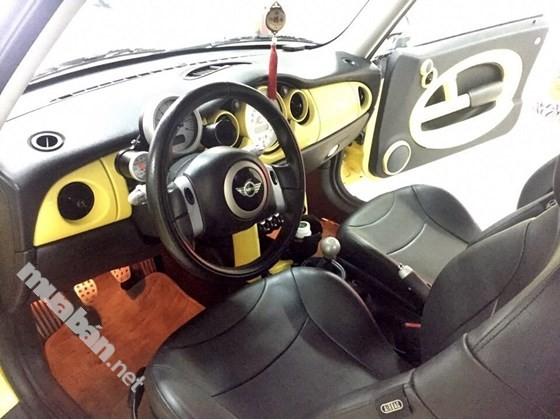 Xe Mini Cooper đời 2005, màu vàng, xe nhập, số sàn, 450 triệu