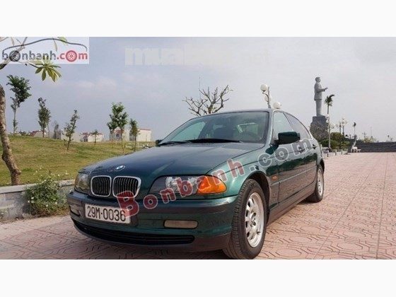 Xe BMW 320i đời 1999, màu xanh lam, xe nhập, số sàn