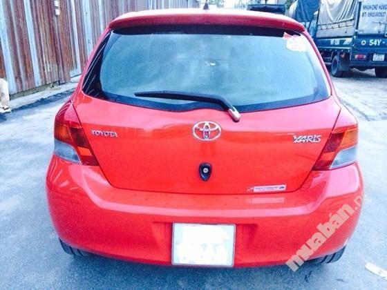 Bán xe Toyota Yaris đời 2015, màu đỏ, nhập khẩu nguyên chiếc, ít sử dụng