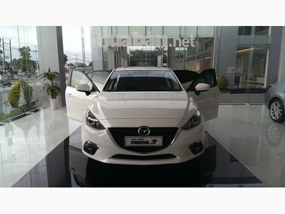 Bán xe Mazda 3 đời 2016, màu trắng, nhập khẩu, giá tốt