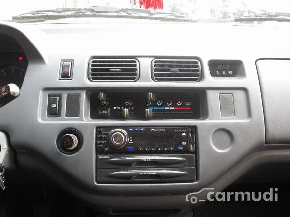 Cần bán lại xe Toyota Zace đời 2004