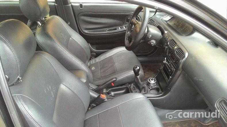 Cần bán xe Mazda 626 sản xuất 1997, màu đen, nhập khẩu chính hãng